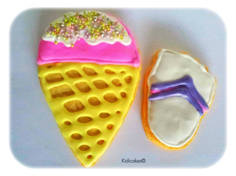 recette biscuit décoré ou sablé décoré biscuit de l'éte en ocrnet de glace et biscuit en tong pied