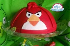 Gâteau angry brids facile idéal pour une fête d'anniversaire d'enfant, ce gâteau angry brids a la forme en demi sphère grâce à ce moule. Ce gâteau Angry Brids . Pour que la fête soit fun mettez le gâteau au centre d'une sweet table spécial Angry Bids